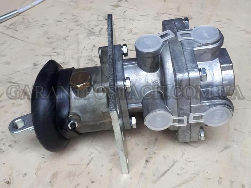 ГТК (главный тормозной кран) КамАЗ (Китай) 100-3514008